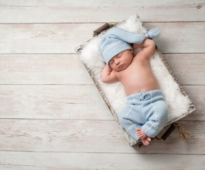 Sleep training your baby (or child) can be a daunting task but it doesn't have to be if you can establish a solid sleep routine. These tips will change how you approach sleep training!#sleeptraining #sleeproutine #bedtimeroutine #parenting #parentingtips #parentinghacks #sleep #babysleep #sleeproutine #sleeproutineforbaby